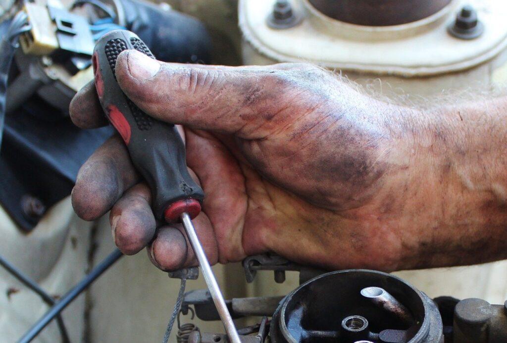 hand, mechanic, carburetor